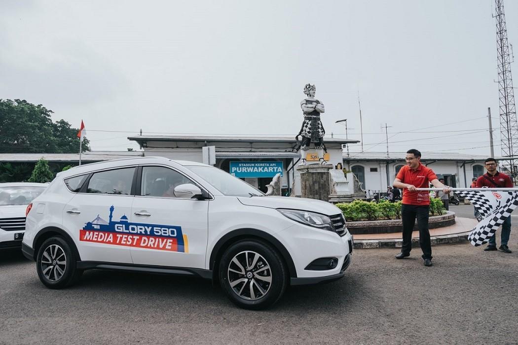 """Media Test Drive DFSK Glory 580: """"Pembuktian Kualitas Produk dan Layanan Terbaik DFSK Indonesia"""""""